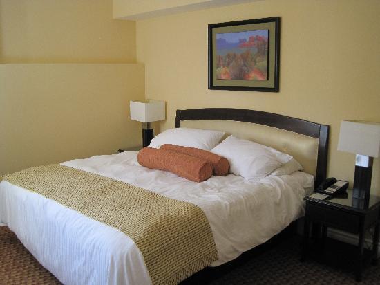 Living Stone Golf Resort: Bed room