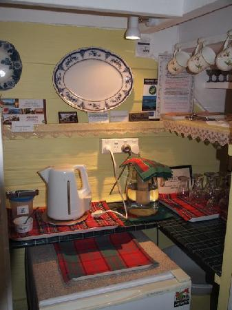 Abbotsford Heritage & Hosted B&B: Tea making facilities