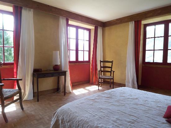 Les Terrasses de Saubissan: Chambre Phénix Rouge