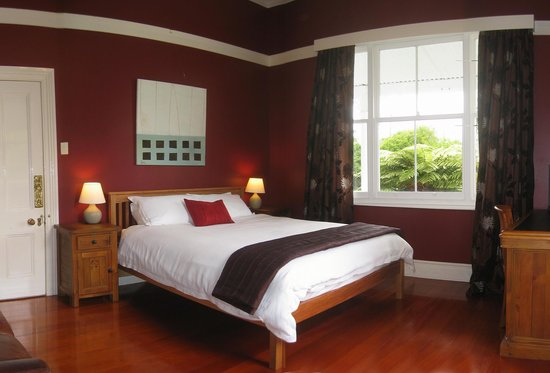 Lupton Lodge: Deluxe King B&B Room with Ensuite