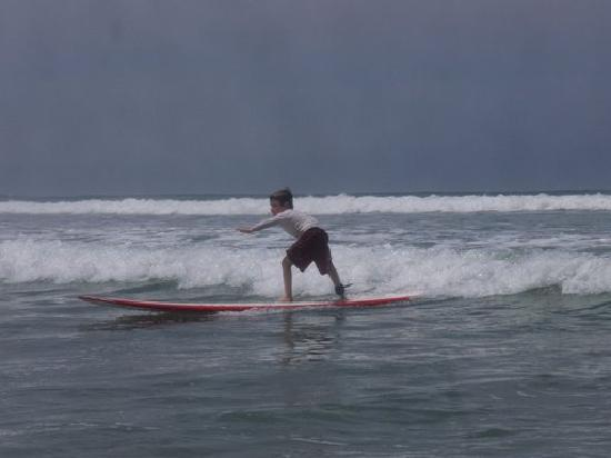 Lucero Surf Retreats: Surfing at 5 1/2yo during 1st trip with Lucero