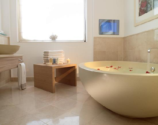 Jumeirah Carlton Tower: Spa Suite Bathroom