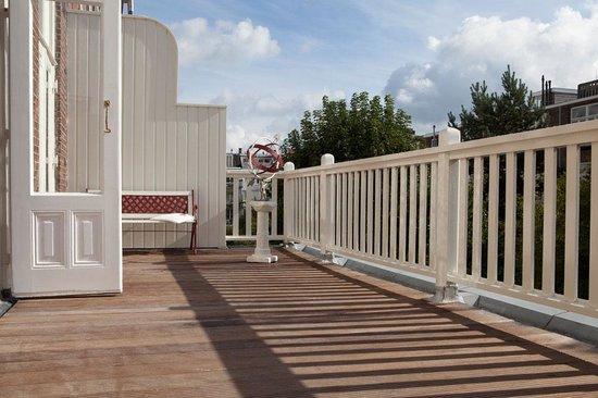 Museum Suites: Balcony Van Gogh Suite