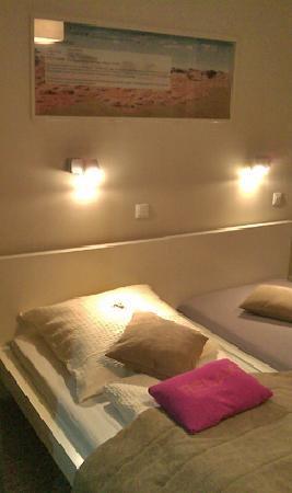 Hotel Sandmanns: Sandmanns - bed
