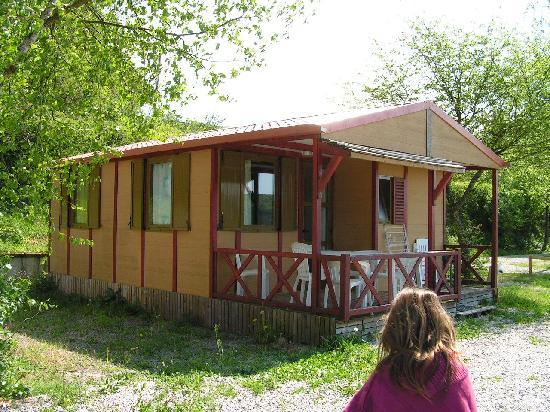 Saint-Leger-de-Fougeret, Γαλλία: Chalet camping Fougeraie en Bourgogne