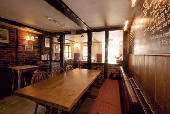 The Horse & Groom: 17th-century flint barn accommodation