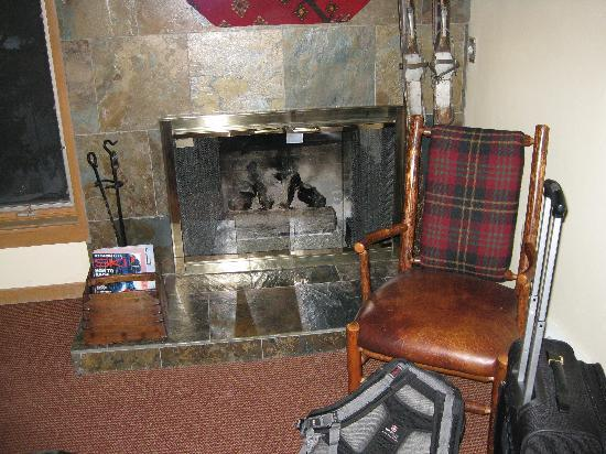 Vail's Mountain Haus at the Covered Bridge: Our Lodge Room