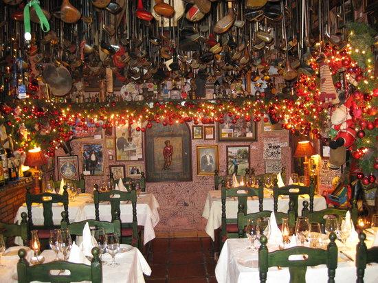 Casa Roberto: Interior at Christmas