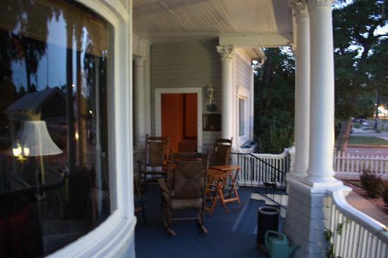 The St. Mary's Inn: El genial porche de la casa