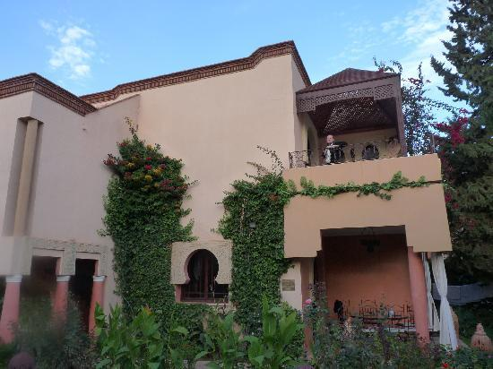 Villa aalma rouge un petit palais
