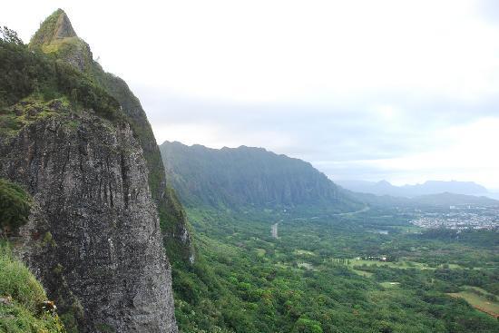 Nuuanu Pali Lookout: Pali Lookout