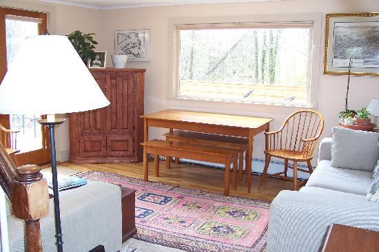 Chatham Guest Rooms: Garden Suite Living Room
