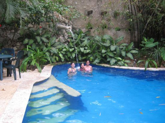 Hotel Maison del Embajador : Pool area