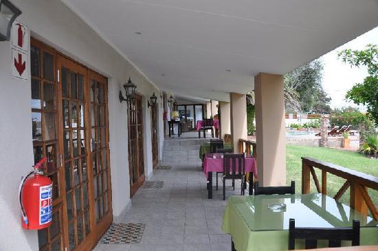 Arosfa Lodge Guesthouse : Veranda (Stoop)