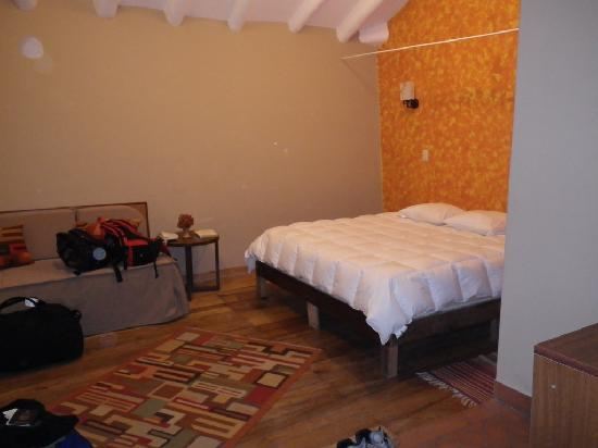 Yanantin Guest House: Triple Room