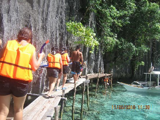 Coron Bay: Going down the Lagoon
