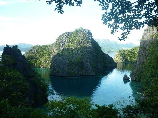 Coron Bay: At the top of the hill