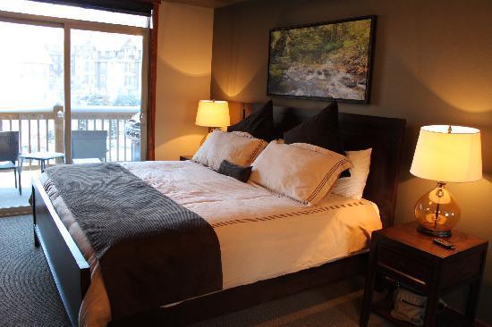 Stoneridge Mountain Resort by CLIQUE : Master Bedroom