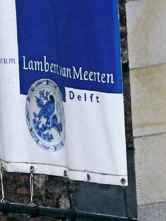 Museum Lambert van Meerten : Flag outside the home