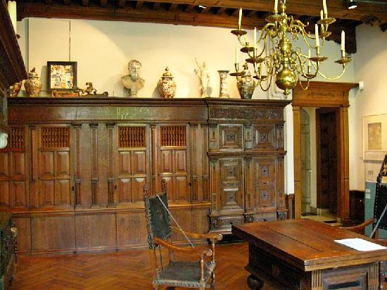 Museum Lambert van Meerten : More wood work