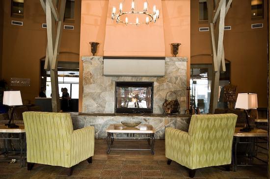 Manteo Resort - Waterfront Hotel & Villas: Lobby