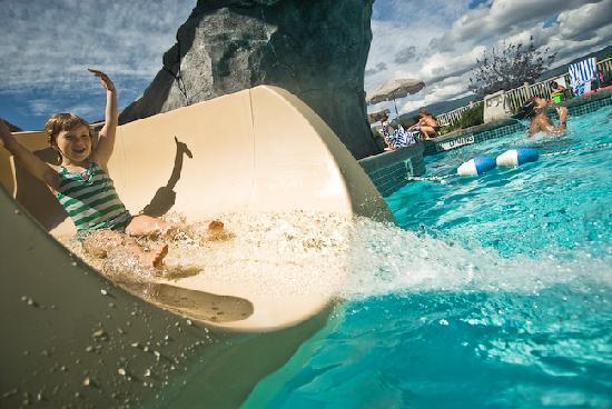 Manteo Resort - Waterfront Hotel & Villas: Outdoor Pool & Waterslide