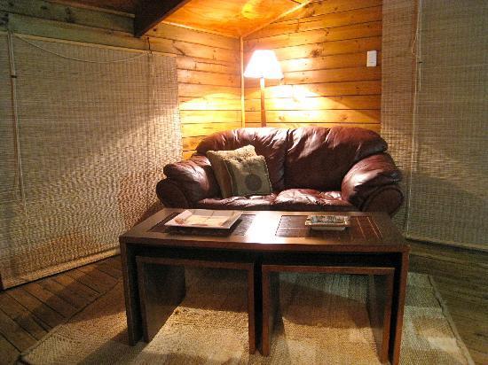 Te'ora: Ra'a living room