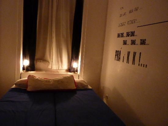 Living Lounge Hostel: Our trendy room!