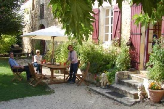 Bezenac, France: Relaxing Atmosphere