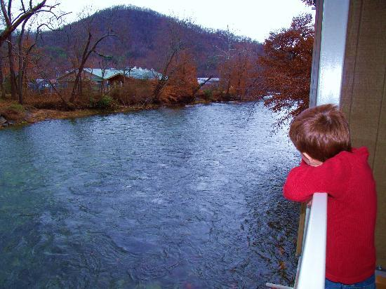 River's Edge Motel: overlooking the river