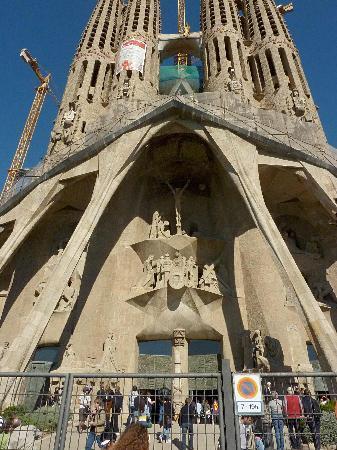 贖罪の門 ベネディクト16世来訪告知の垂れ幕