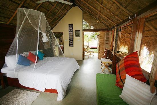 Alankuda Beach: our room