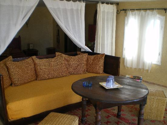 Riad Lalla Mogador : lounge area
