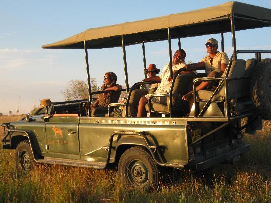 Chitabe Camp: Sundowners at the Hippo Pool