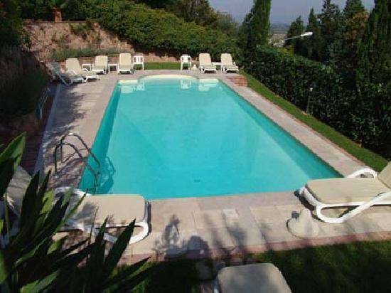 Fonte del Castagno : piscina
