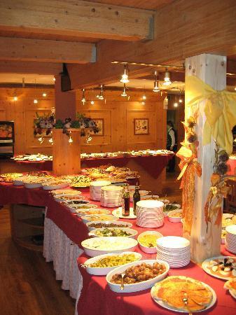 Sporthotel Rosatti: Il buffet degli antipasti