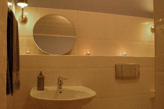 Casa Marilla: Standard bathroom