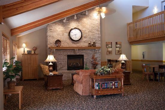 AmericInn Lodge & Suites Sartell: Lobby