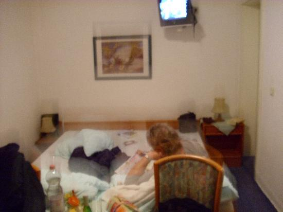 Zimmer mit blick auf den fernseher billede af pension for Zimmer mit blick