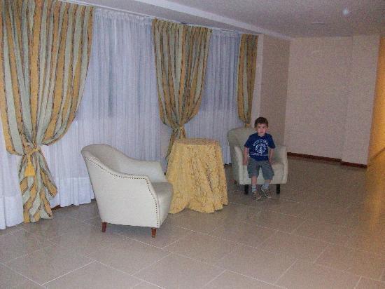 Hotel Riviera  Mar del Plata: hall quinto piso