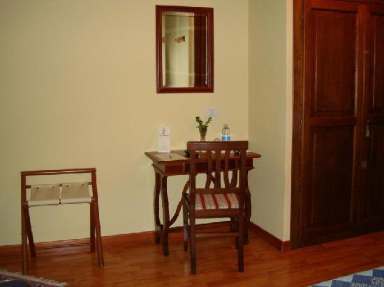 Hotel Relais Valle Orientina: Schlafzimmer
