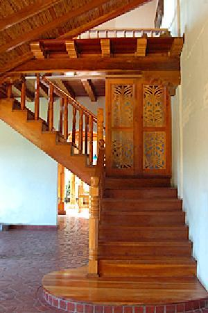 Miss Margrit's Guest House: Miss Magrit's Staircase