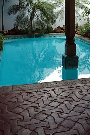 Miss Margrit's Guest House: Miss Magrit's Pool and Handmade Tiles