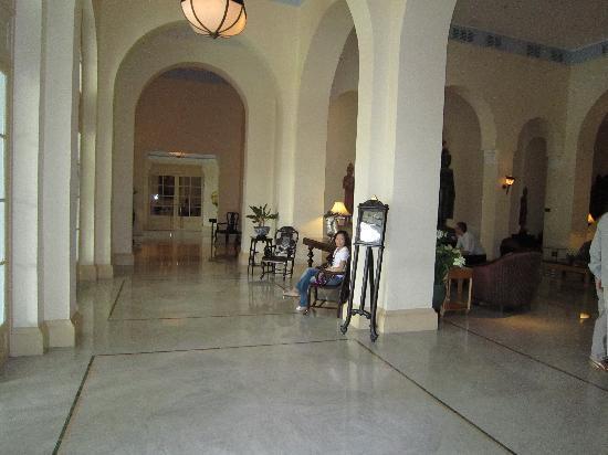 Raffles Hotel Le Royal: lobby