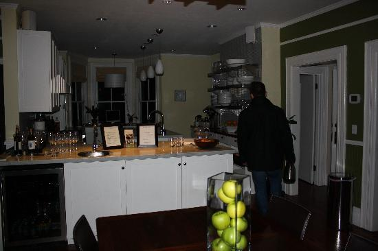 The Chanric Inn: Kitchen/ dining area