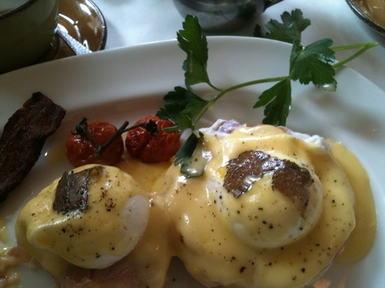 Mistral: What a egg Benedict!!