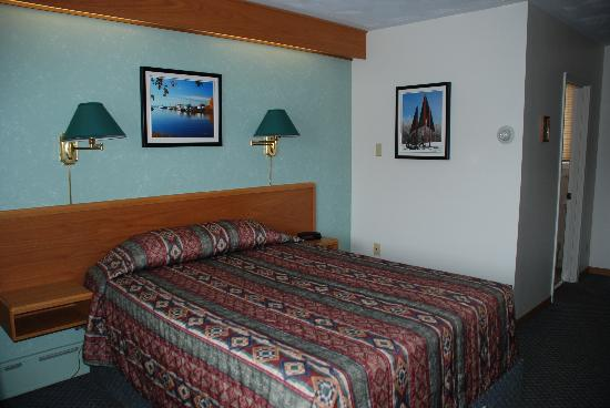 Blind River, Canada: LakeView Rooms
