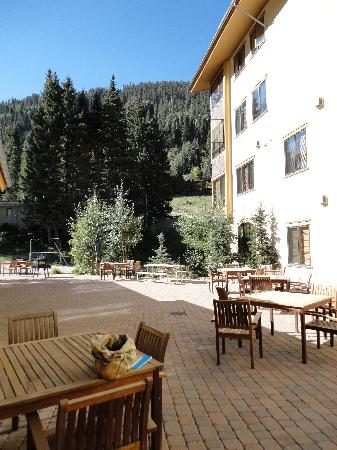 Edelweiss Lodge & Spa: patio-Edelweiss Lodge