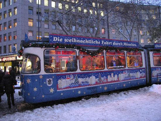 Smart Stay Hotel Schweiz: Chriskindle tram in Munich