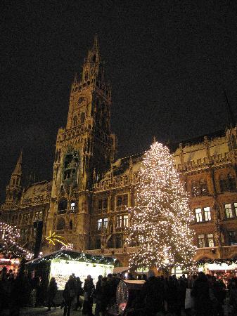 Smart Stay Hotel Schweiz: Marianplatz market